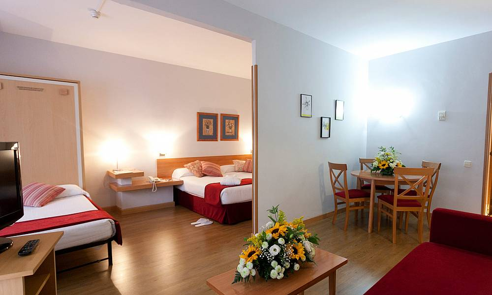 Aparto suites muralto madrid web oficial aparthotel en for Appart hotel madrid